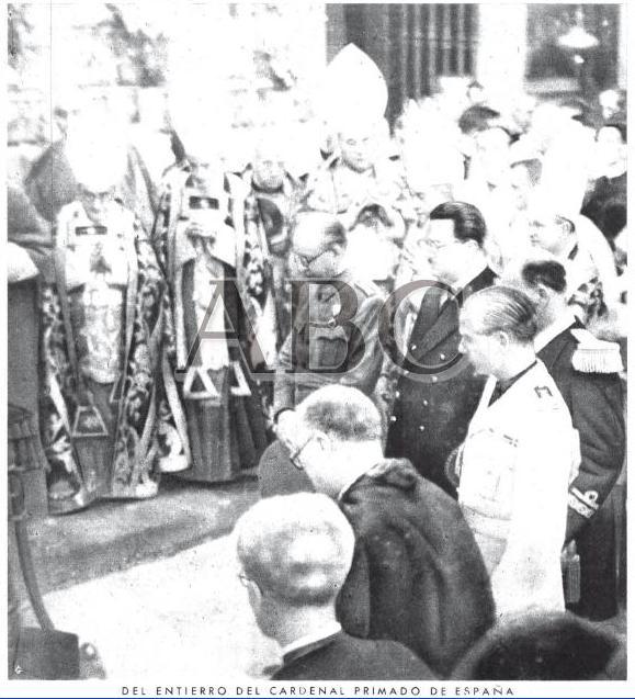 Entierro del Cardenal Gomá el 26 de Agosto de 1940. Foto Zegrí para ABC
