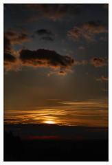 Down (fs999) Tags: sunset cloud sun soleil pentax coucher wolke sdm nuage aficionados k7 artcafe vob dastar kopstal newk ashotadayorso justpentax topqualityimage flickrlovers da55 topqualityimageonly fs999 pentaxart pentaxda55mmf14sdm pentaxk7
