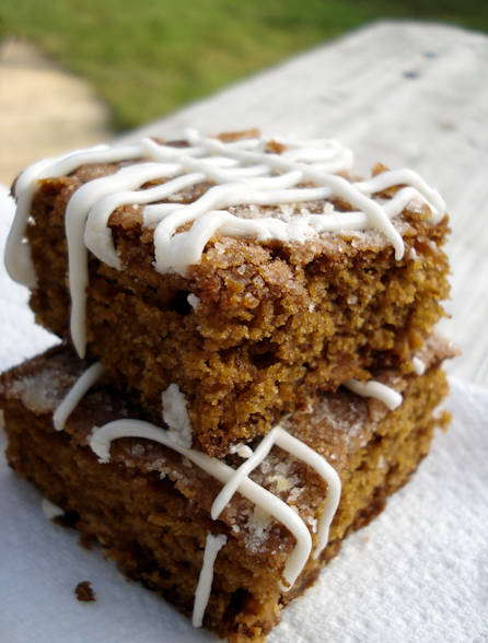 Dunk Twice: Gingerbread bars with white chocolate icing