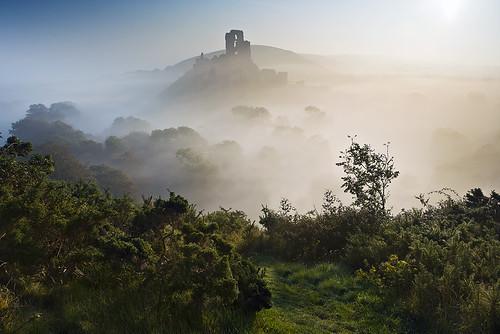 Corfe Castle mist ii