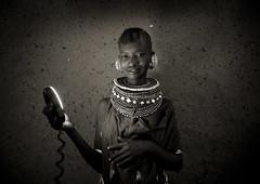 Turkana girl and the ring flash - Kenya (Eric Lafforgue) Tags: africa light beads kenya flash culture tribal tribes bead afrika tradition tribe ethnic kenia tribo ringflash afrique ethnology tribu eastafrica turkana beadednecklace quénia 7174 lafforgue ethnie ケニア quênia كينيا 케냐 кения beadsnecklace keňa 肯尼亚 κένυα кенија кенијa