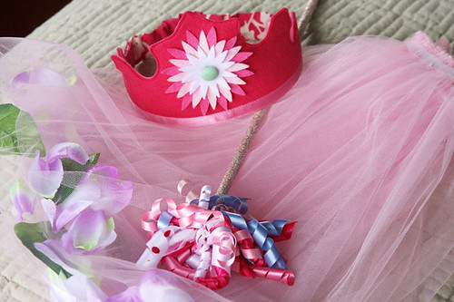 Fairy crown, wand and skirt