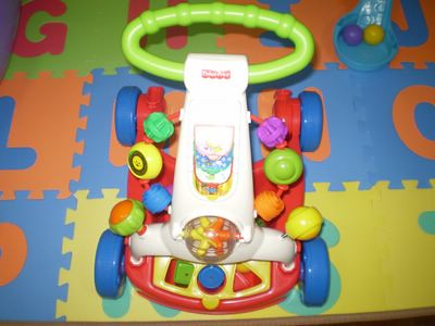 Fisher-Price: Brilliant Basics: Walker-To-Wagon