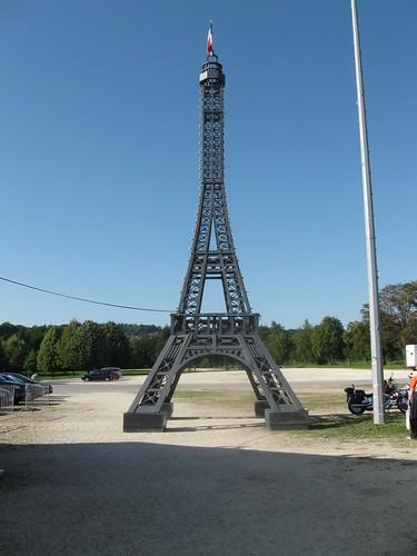 Der Eifelturm im französischen Dorf in Ulm 2009