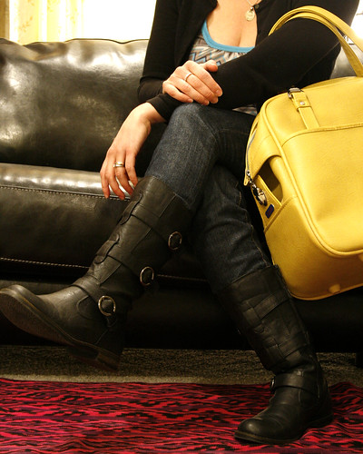 365-day 31-- black boots, yellow bag