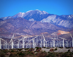 Windmills (Colorado Sands) Tags: california usa mountains green america us energy unitedstates windmills machinery american generators amerika westcoast alternative montanhas windpower kalifornien montagnes californie sanjacintomountains windturbinegenerators californi sandraleidholdt sourceofenergy  leidholdt sandyleidholdt