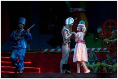 Dana dos Presentes (Rosa Chedid) Tags: natal teatro papainoel cenrio roupas paranagu atores duendes espetculo mamenoel fbricadesonhosdopapainoel