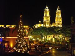 Centro histórico navideño (arosadocel) Tags: christmas de navidad centro catedral árbol campeche navideño histórico