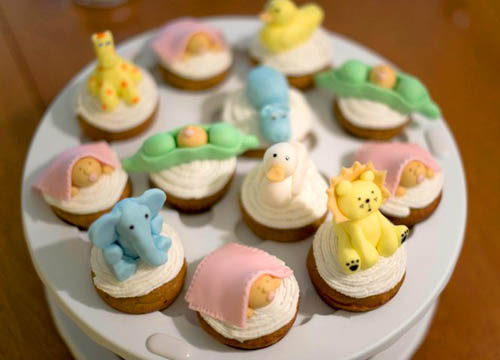 5847722269 1e7fc1dcb1 Cupcake Ideas for a Baby Shower