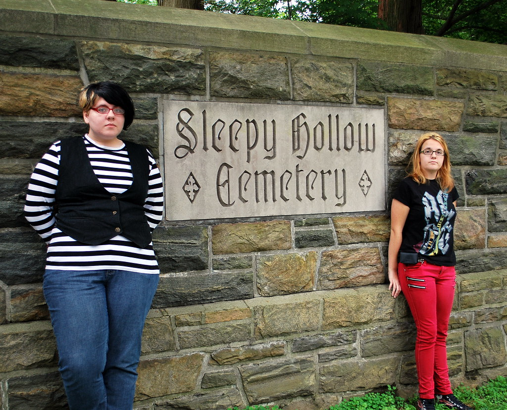 Amanda and Jamie at the main gates to Sleepy Hollow Cemetery