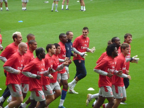 Arsenals Members Day: The crossbar challenge, Wengers fail & football tennis (video)