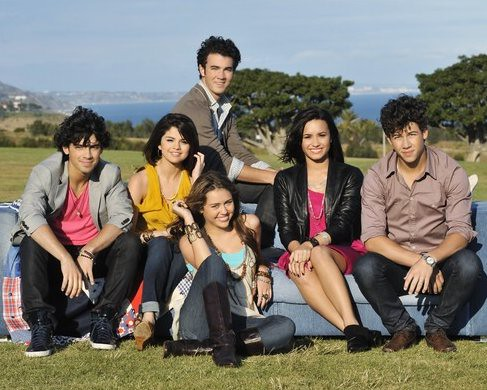 demi lovato and selena gomez and miley. Joe Jonas Selena Gomez Kevin