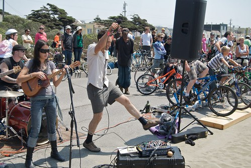 Fossil Fool & Rock the Bike perform at Sunday Streets, August 9, 2009 by Steve Rhodes.