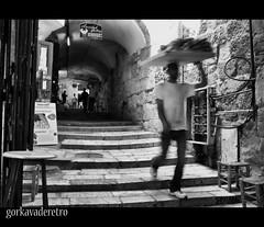 PANADERO EN JERUSALEN (GORKA VADERETRO) Tags: street old trip travel viaje byn bread israel nikon baker slow jerusalem medina gorka panadero palestina jerusalen d90 mirantes gorkavaderetro