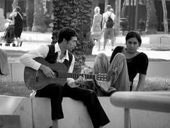 Te voy a cantar una cancion de amor: Para Merche Mi amor. (Cordobelillo:) Tags: barcelona espaa amor ciudad bn msica cancion uz ternura olimpus pasin sp590 cordobelillo olimpussp590uz