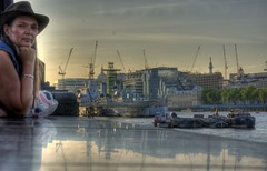 London, The North side of the Thames reflects in the wall (klaash63) Tags: uk reflection london thames micky photographer sony klaas gb alfa alpha 700 reflexions hdr hdri londen reflectie fotograaf spiegeling heiligenberg photomatix a700 tonemapping tonemap theems klaash63 klaash