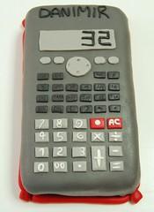 Calculadora de edad (Mariana Pugliese) Tags: blanco cake gris rojo geek negro calculator cumpleaños 32 torta numeros edad teclas calculadora danimir 241543903 calculadoracientifica marianapugliese tortageek