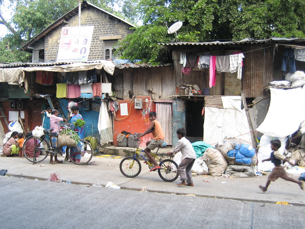 Photo of people in Dharavi, Mumbai