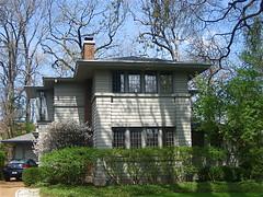 Barbara Erwin House (1922) (chicagogeek) Tags: house architecture illinois prairieschool 1922 residence kenilworth prairiestyle barbaraerwin johnvanbergen