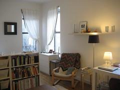 IMG_4322 (flaschenpostpics) Tags: nyc myfirstapartment manhattanapartment apartmenttherapyny uppereastsidestudio