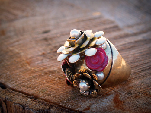 Accessorize.com Floral ring