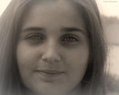 Anaïs dans le flou (bleumarie (absente)) Tags: été été2016 mariebousquet 2016 bleumarie fuji pyrénéesorientales roussillon saintemarie suddelafrance méditerranée portrait sourire regard jeunefille douceur yeux photodemariebousquet mariebousquetphoto catalogne adolescente sépia yeuxclairs regarddoux regardclair nez sourcil lumière flou mystère mystérieuse romantique joliejeunefille joliefille couleursélective fabuleuse