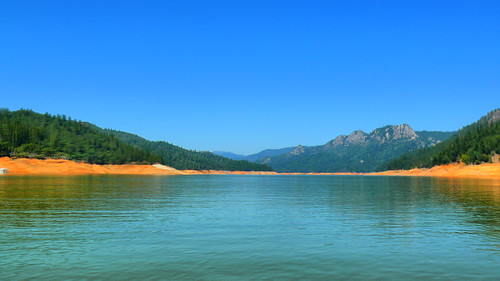 Lake Shasta in HDR