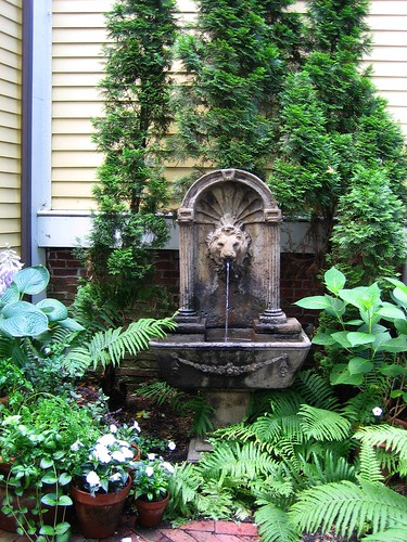 Fountain @ Salem Garden Tour