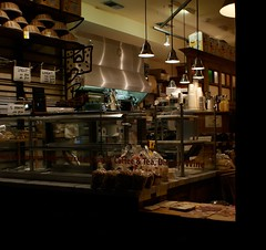 Closing Shop (Pasacallia) Tags: england london window coffee shop night square bread evening cafe basket iso400 cereal coffeeshop bakery baskets shopwindow storewindow hampstead vitrine eatery closingtime musli lepainquotidien planetearth belsizepark lepain artisanbakery closingshop