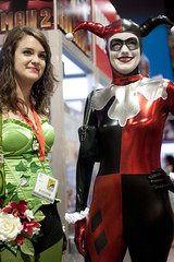 Poison Ivy and Harley Quinn (pawnzz) Tags: sandiego comiccon 2009 poisonivy harleyquinn sdcc comicconinternational
