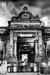 Kalani temple (crazyc78) Tags: people temple blackwhite worship srilanka movment kalaniya budisum kalanitemple