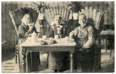 The Three Munching Grannies (c.1907) (postaletrice) Tags: old portrait people breakfast table geotagged healthy women basket gente belgium belgique eating antique retrato postcard traditional group working belgi belga clothes antigua buns backpack strong belgian postal canasta woven vinage desayuno mujeres mesa vtements postale femmes gens carte grannies comiendo ancienne lige belgien dames wallonie blgica belge tarjeta bollos cpa petitdjeuner rgion lieja osier sacdos vieilles tradicionales corbeille ancianas traditionnelle ges ldje mangeant petitpains wallone ligeoises vestimentras rotteresses