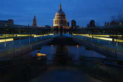 St. Paul's cathedral taken from Millenium bridge (pranav_seth) Tags: bridge people london thames paul twilight cathedral stpaul millenium stpaulcathedral