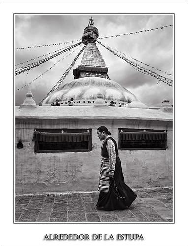 Alrededor de la Estupa (Serie Nepal)