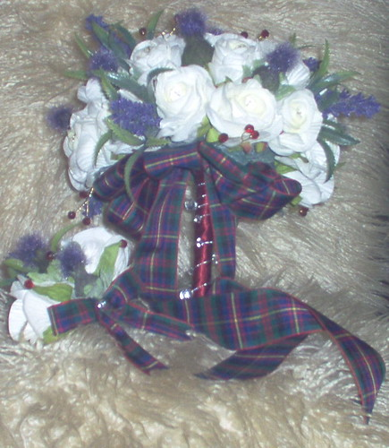 *lisa r 237 po* brides scottish bouquet of roses/thistles/ lavender/diamante pins/red/silver bling & errachct tartan bow with matching grooms buttonhole by you.