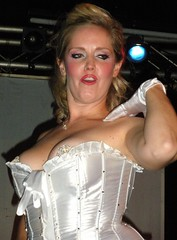 Tatah Du Jour (willilicious) Tags: baltimore burlesque ottobar weirdos neoburlesque trixielittle vaudville trixielittleandtheevilhatemonkey