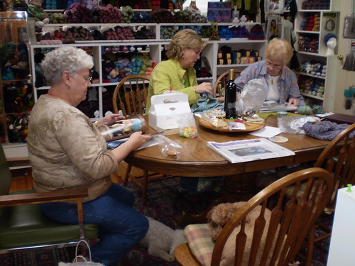 Helpful knitters at Orchardside