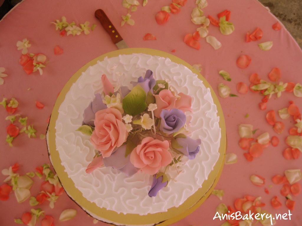 pink n purple wedding cakes
