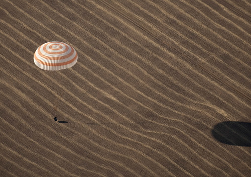 Expedition 20 Landing (200910110009HQ)