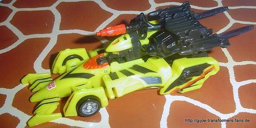 Mirage_GT-Scavenger-Nightcruz  Robots-in-Disguise  Deluxe Transformers 007