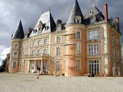 a castle in Mayenne (april-mo) Tags: france castle hotel mayenne chteaudelacarrire mayennecastle northwestfrance