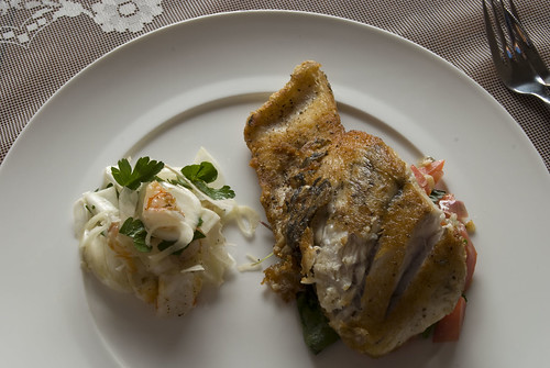 Barramundi with fennel and prawn salad 2