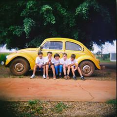 infância querida (gleicebueno) Tags: boys holga memories infancia memorias fusca infancy itaí