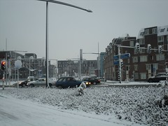 Zuidwal, Delft (crwilliams) Tags: snow netherlands delft date:month=december date:day=17 date:year=2009 date:hour=09 date:wday=thursday