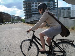 Crawl Into the Landscape (velomama) Tags: urban woman girl bike bicycle copenhagen denmark mujer chica cyclist femme transport cycle commute stadt frau bicyclette kopenhagen fille fahrrad vlo fiets cycliste urbain copenhague cyclechic