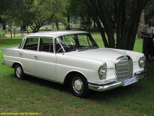 Mercedes Benz 1965 220SE W111.