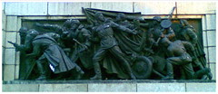 Monument (Fif') Tags: red sculpture monument rouge army war sofia bulgaria soviet ww2 soldiers guerre 2009 soldat arme bulgarie mondiale vojna