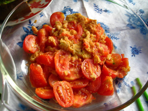 tomato and egg scramble