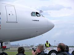Airbus A340-600 ( OJOS DE AGUA ) Tags: berlin germany deutschland 2006 airbus alemania ila alemanha sxf a340   ila2006 berlinschnefeld