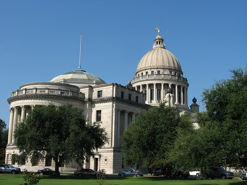 MS State Capitol - what will the law be after the vote today? (Photo: Ken Lund, flickr)